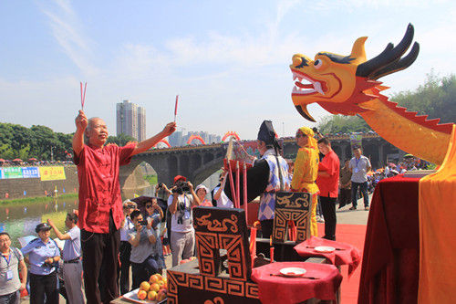 祭龙仪式传统文化韵味十足。宋成均摄影