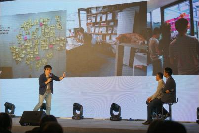 图为轻芒联合创始人王俊煜分享小程序内容运营经验。