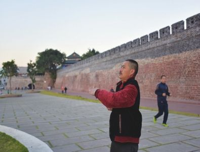 走进建昌城,许多人开始生命中不一样的生活。