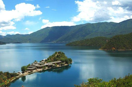 泸沽湖里格半岛。史在玲摄