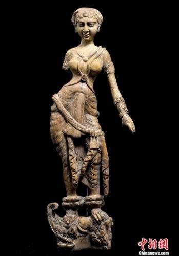 贝格拉姆出土的恒河女神像。岳依桐 摄