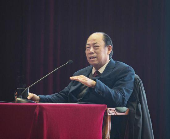 杨国强:行业波动会淘汰竞争力不强的企业