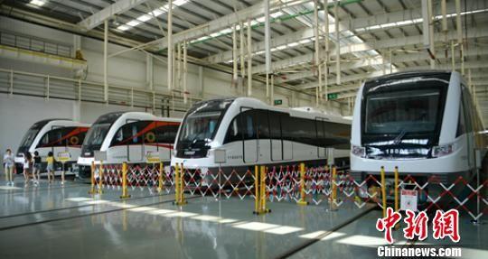 时速140公里的市域A型地铁列车。 刘忠俊 摄