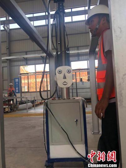 智能机器人。 钟欣 摄