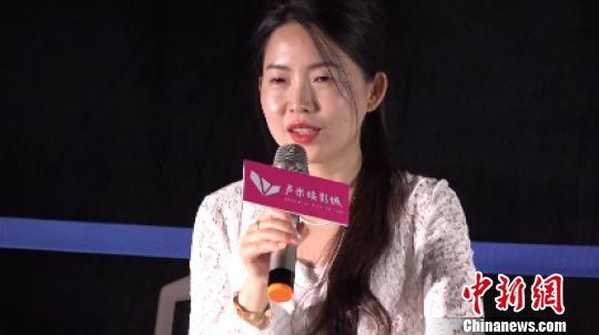 制片人韩轶与现场观众分享创作心得。 陈选斌 摄