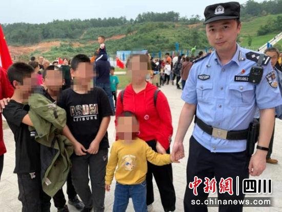 国庆两天绵阳北川民警帮助11