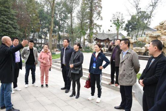 """福建""""女茶王"""":成都村政学院是一所来了就不想离开的学校"""