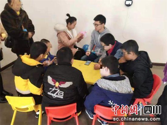 【转载】残障儿童马术康复活动在成都温江举行26名特殊儿童全程体验