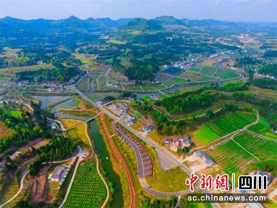 阆中乡村美景。张晓东 摄
