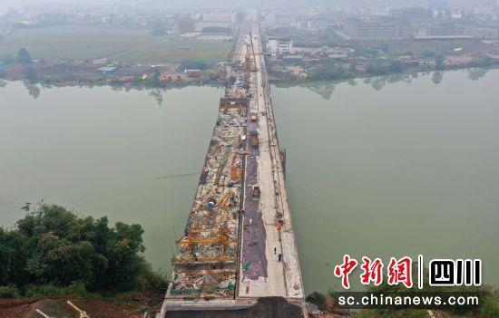 大桥全线贯通(雅安交通交建集团 供图)