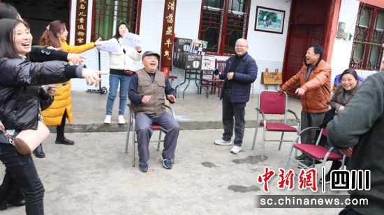 欢声笑语体现团队集体主义精神。 筠连县委宣传部 供图