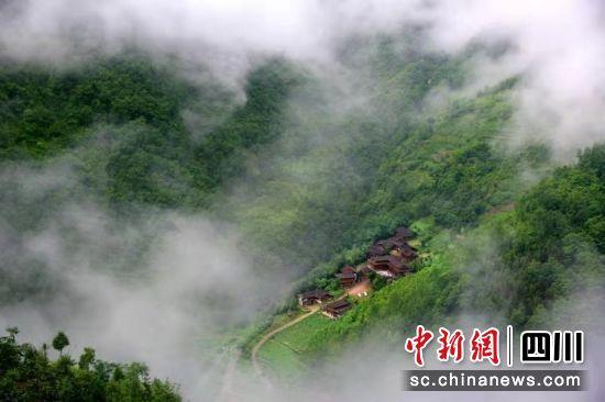 资料图片:北川县青片乡一隅。 北川县委宣传部供图