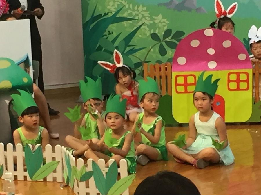 """在第67个""""六一""""国际儿童节即将来临之际,成都市第四幼儿园在茶店子"""