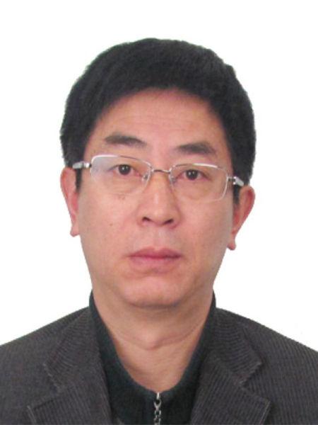成都市体育局副局长何荣波