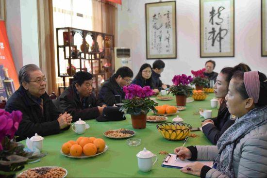 中国白酒发展座谈会,黄文杰摄。